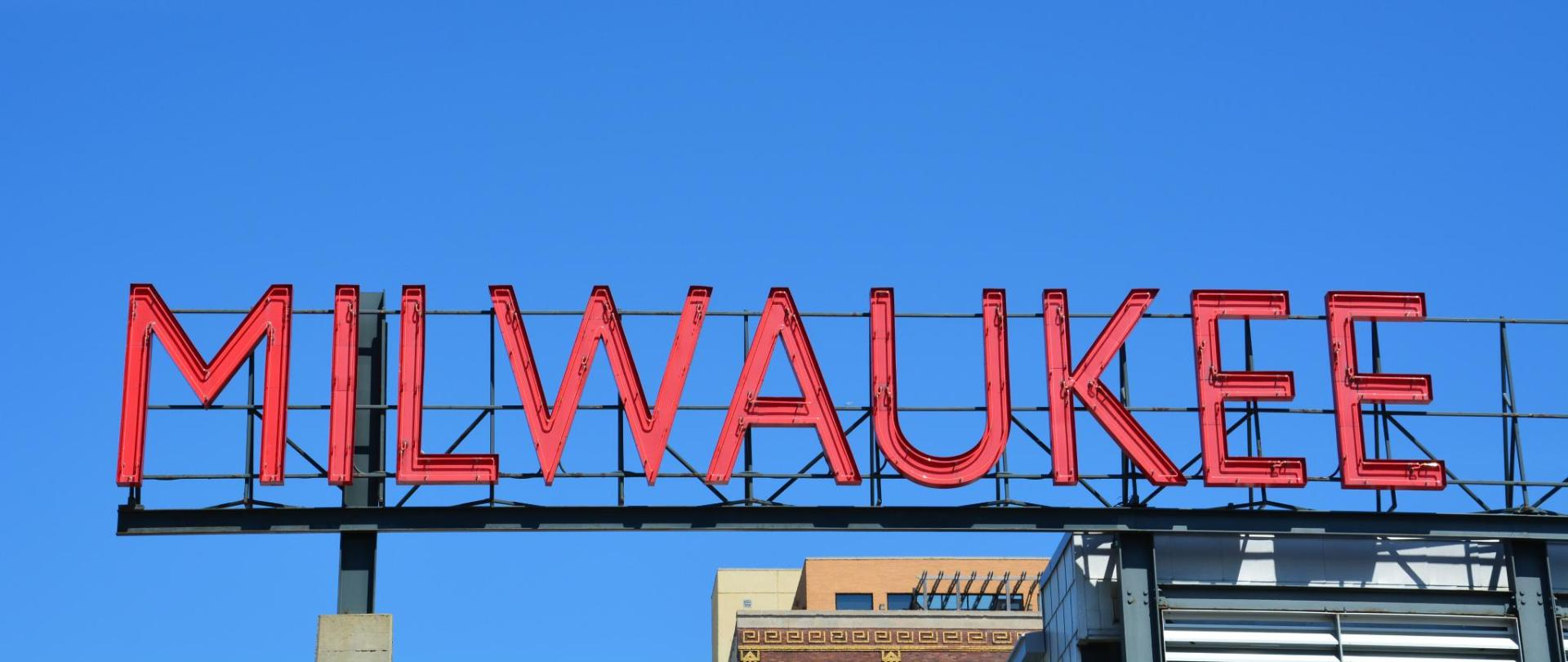 Sign for Milwaukee.jpg