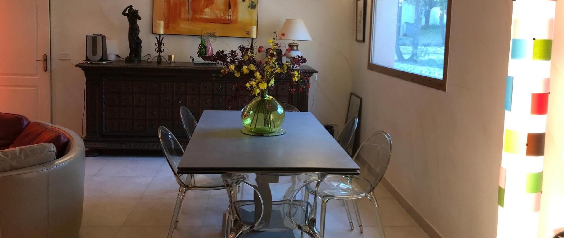 salle à manger IMG_3604.JPG