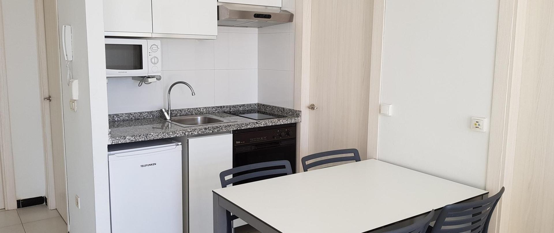 Maria Victoria apartamento 2 dormitorios cocina.jpg