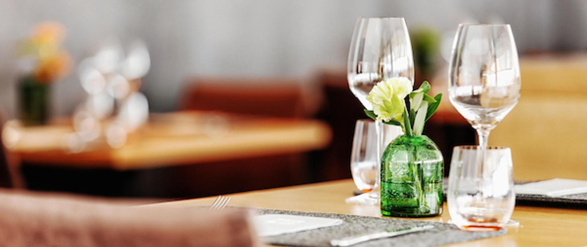 Restaurant innen Stimmung small.jpg