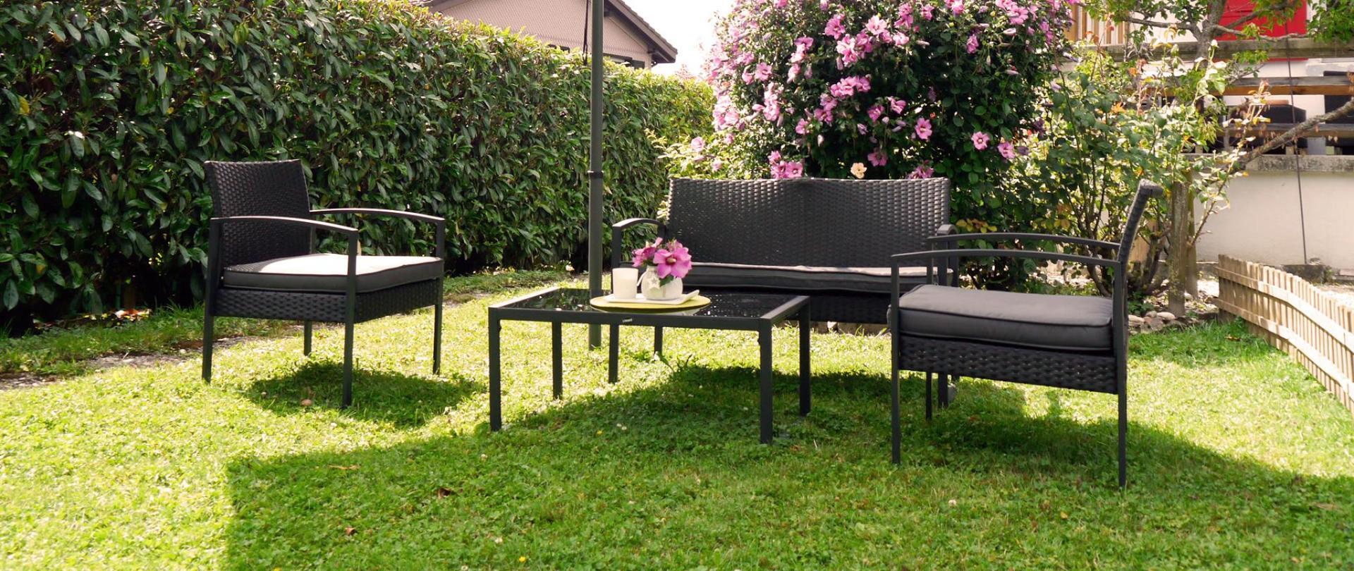 Garten Möbel Kopie.jpg