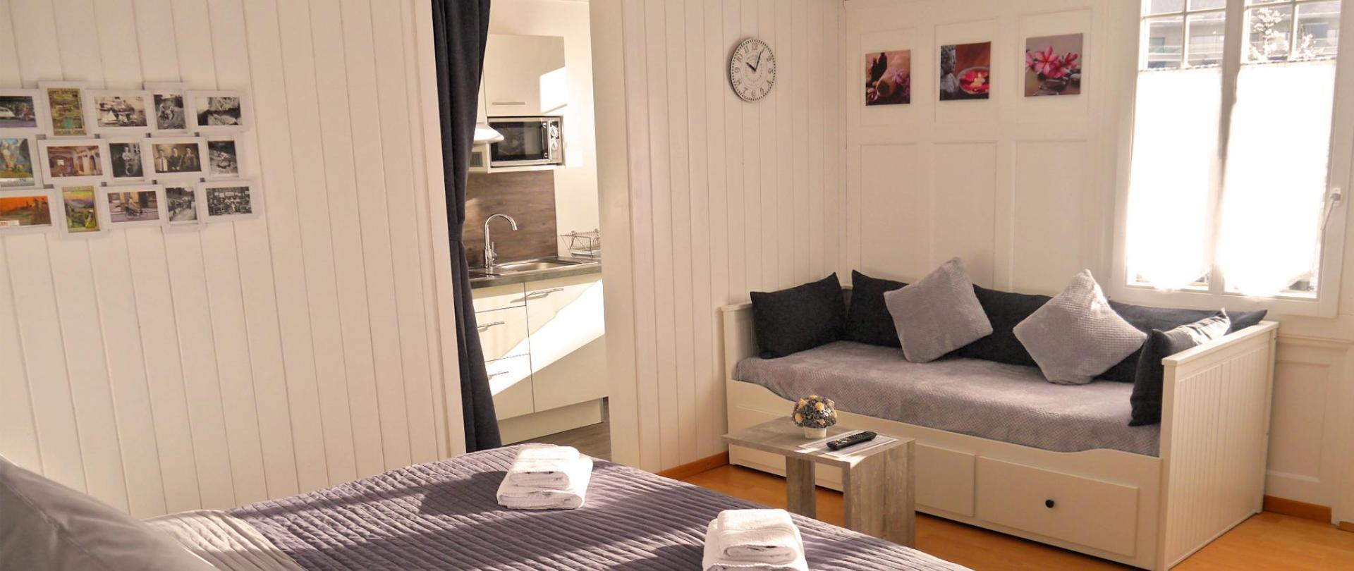 Apartment III 8.jpg