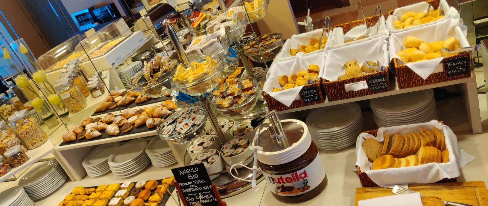 colazione buffet dx.jpg