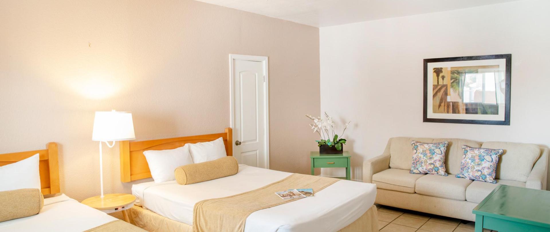 Inn-room-001.jpg