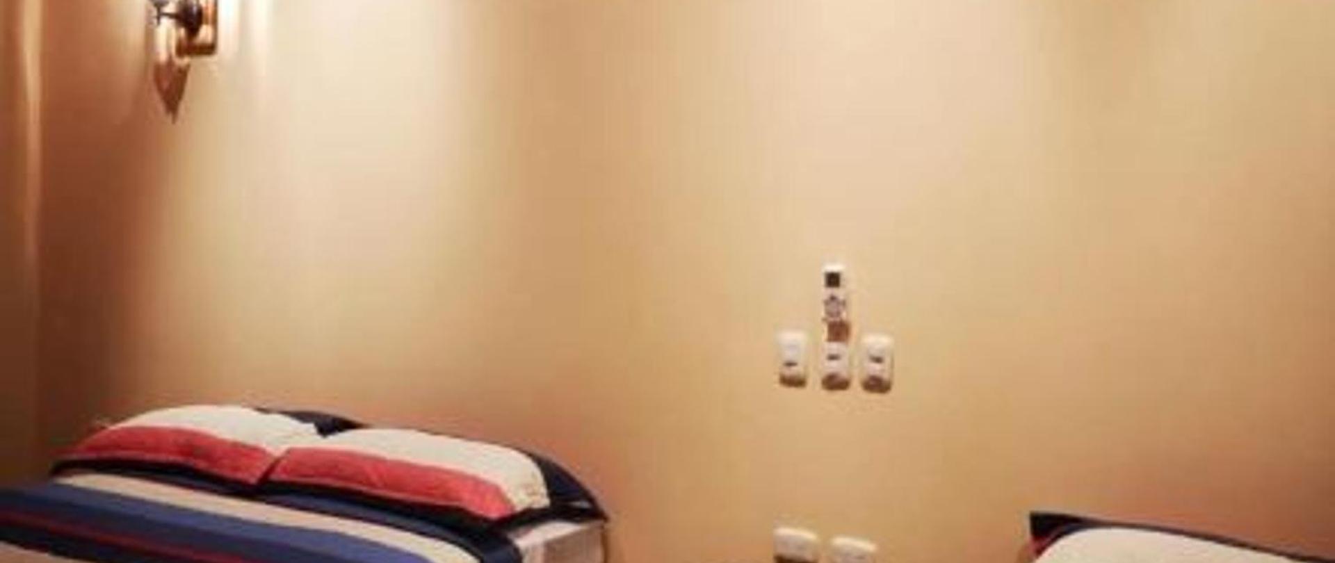 room 15-1.jpg
