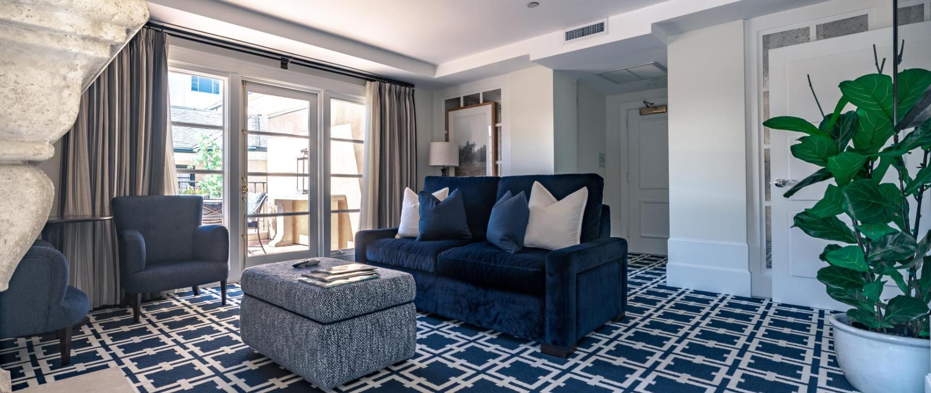 PH livingroom4.jpg