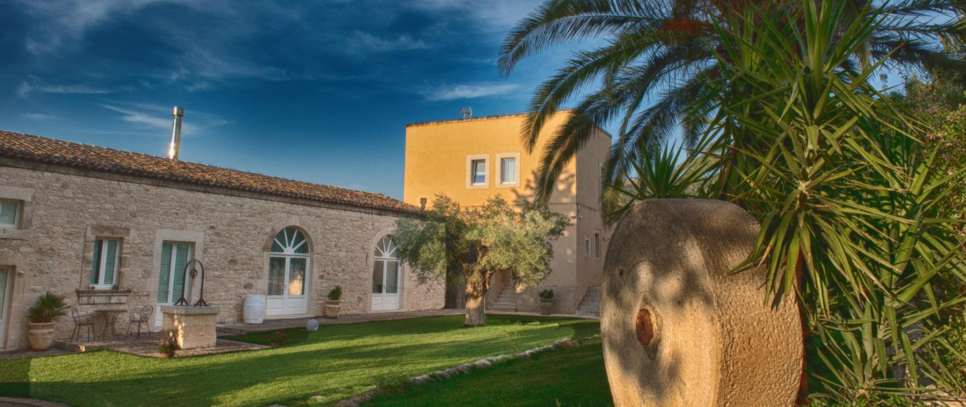 公式サイト】Villa Santa Margherita|キアラモンテ・グルフィの ...
