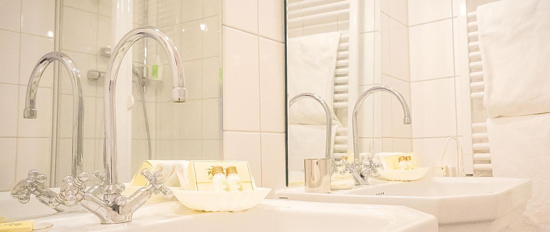hotel-3koenige-aachen-zimmer_12-carlous_magnus_07.jpg