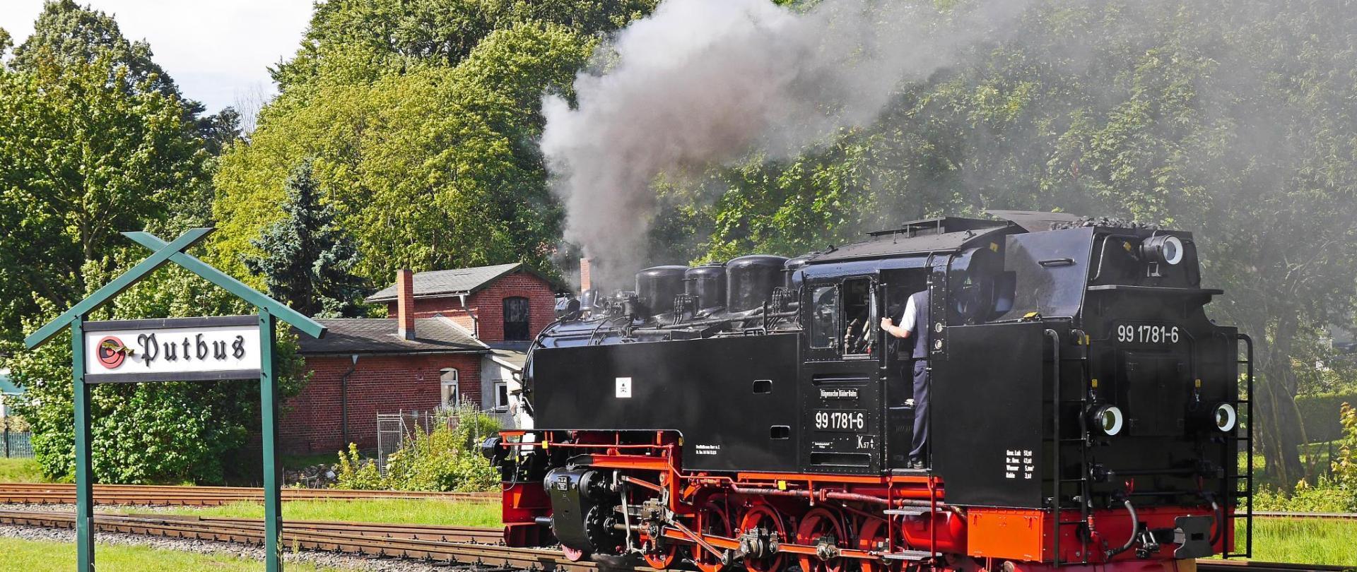steam-locomotive-2947932.jpg