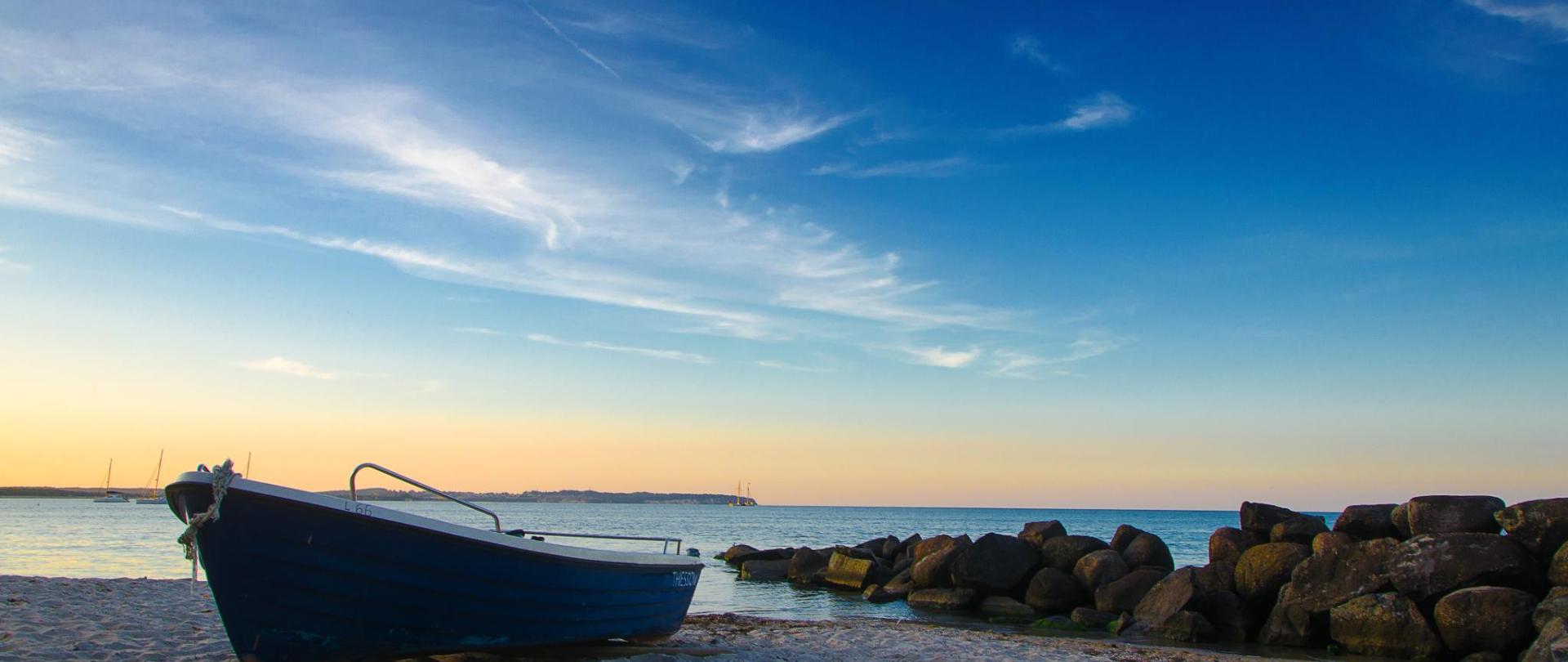 boat-3744001.jpg