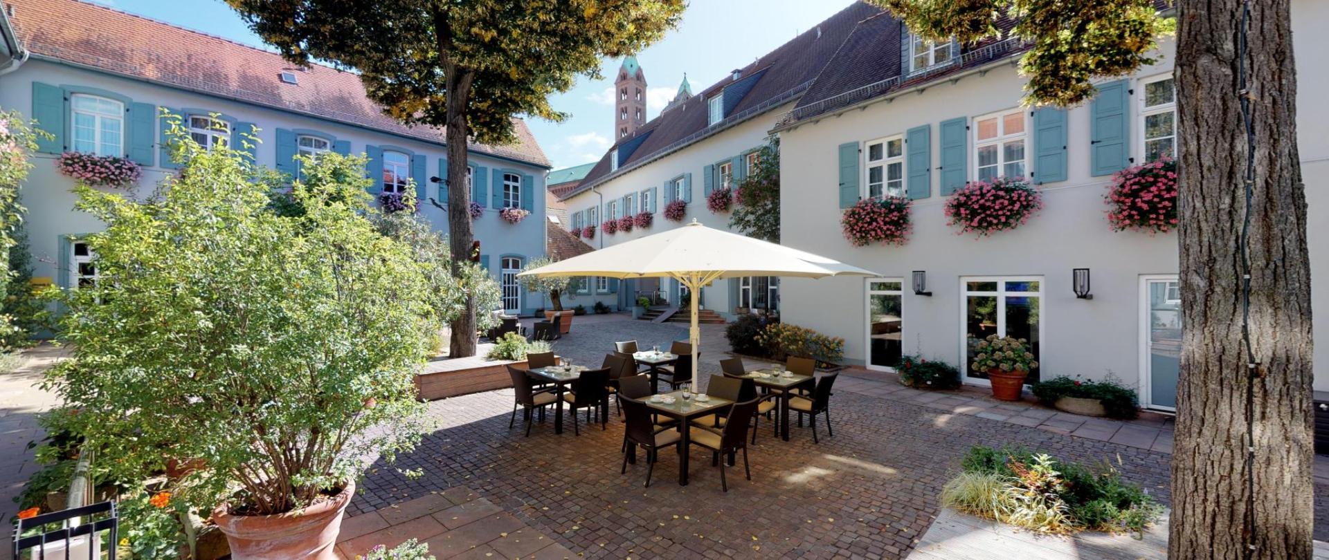 Hotel-Domhof-175017.jpg