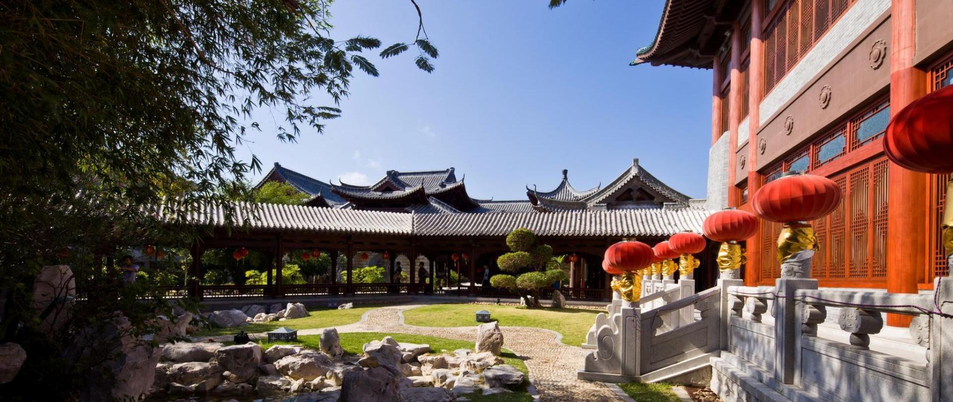 1 三亚亚龙湾华宇度假酒店-园林景观 6.jpg