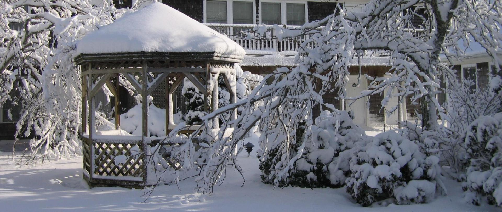 winter-gazebo.JPG