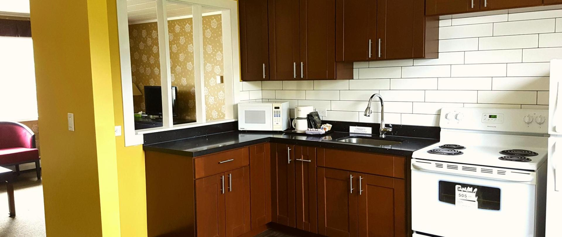 Two Bedroom Kitchen Suite - Kitchen 1.jpg