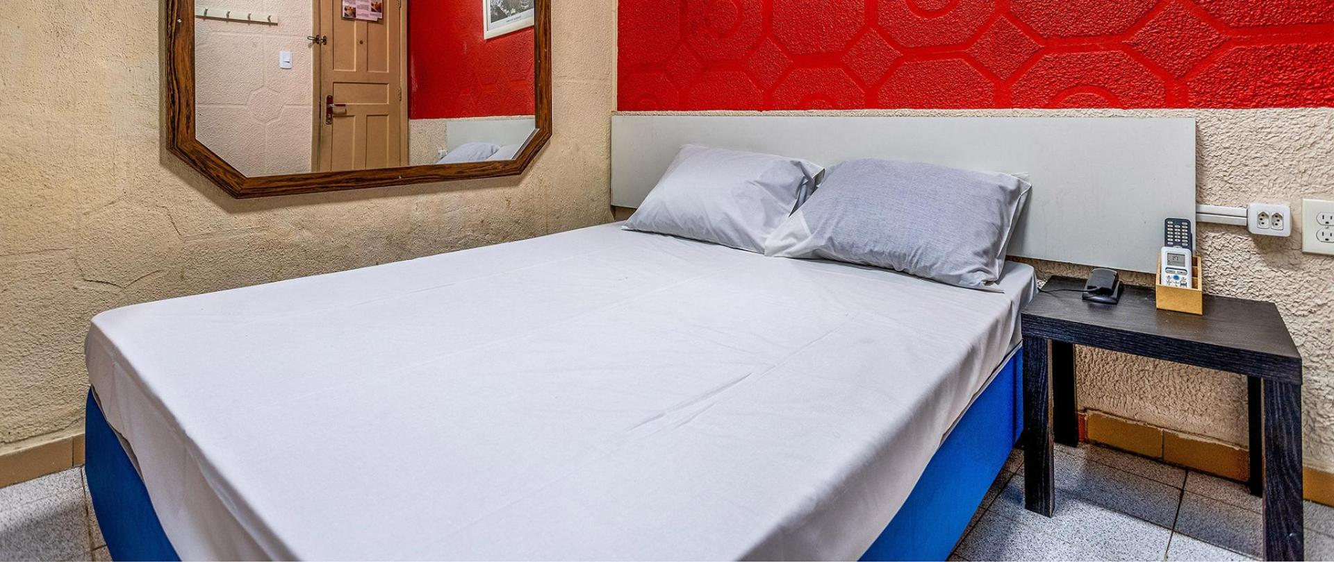 1920x810-one-bed-3.jpg