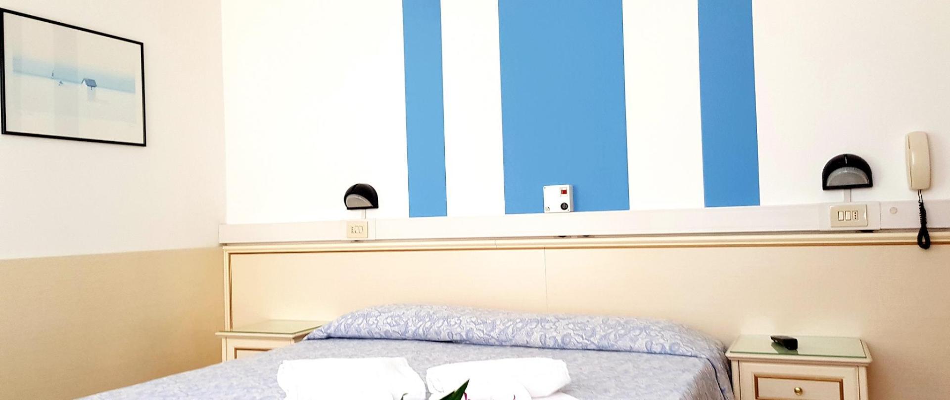 camera bianca 2.jpg