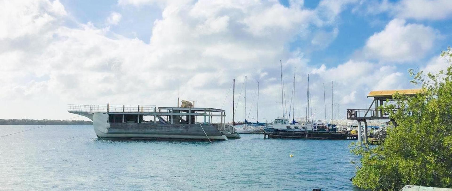Pierdeck Yachtview Vistalmar Aruba Accommodation.jpg