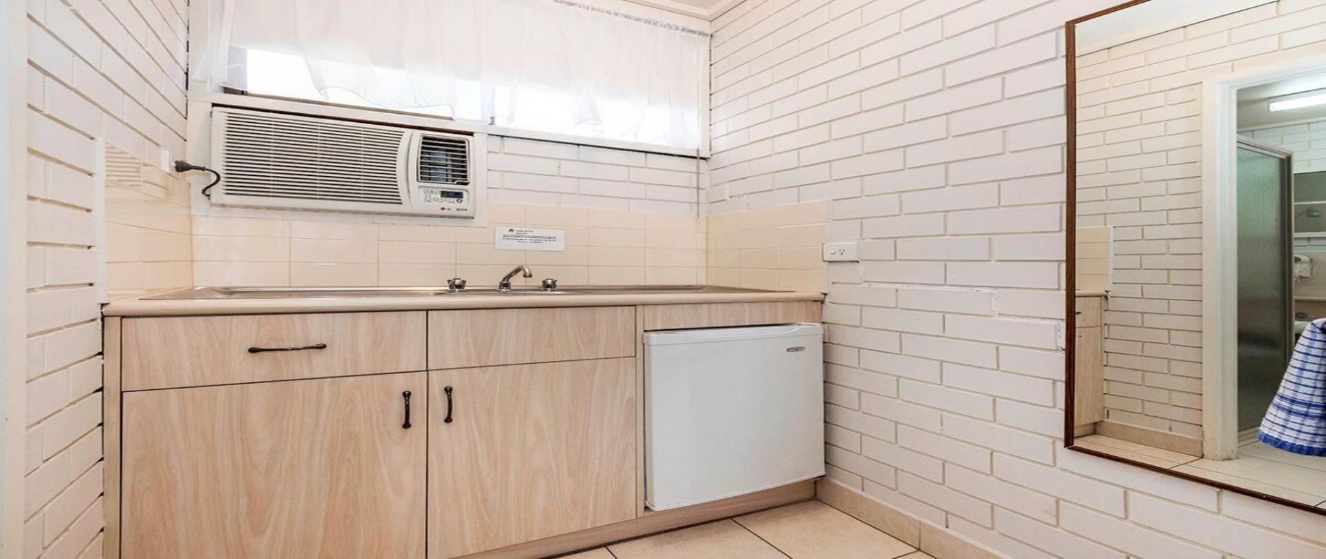 kitchenett.jpg