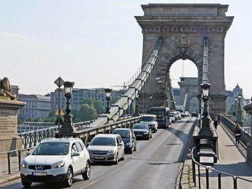 budapest-1330977_1280.jpg
