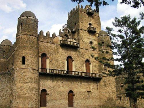 castle-of-king-fasil-gondar.jpg