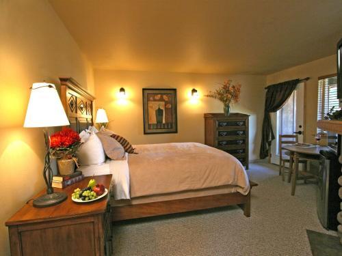 Aspen Suites Condominiums, at Icicle Village Resort