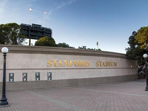 Stanford Football Returns to Palo Alto