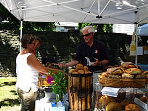 Farms & Famers' Market
