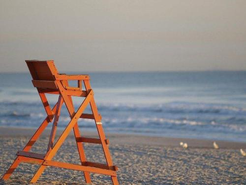 beach-1317191_1280.jpg