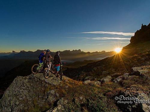 bikers-tramonto.JPG