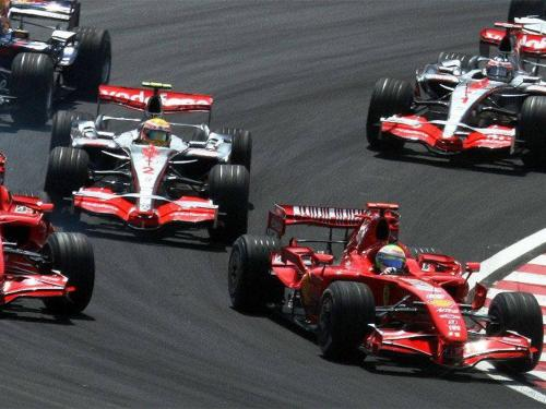 2007_brazilian_gp_4_drivers_at_start-1.jpg
