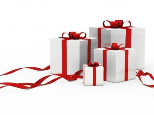 white-gift-boxes-with-red-ribbon_1156-685.jpg