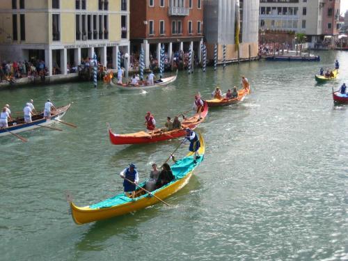 venezia_-_regata_storica_-_corteo_09.jpg