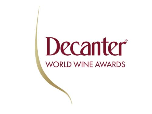 decanter-3178616212.png