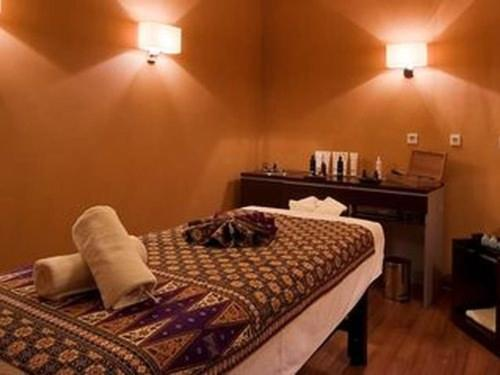 lifedesign-hotel-belgrade-five-elements-spa-and-beauty-massage-room-fire-png.jpg