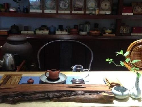 RongHu art Gallery By Aroma Tea House