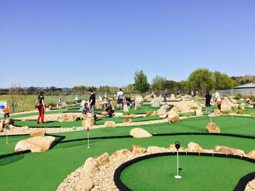 boneo-maze-and-mini-golf1.jpg