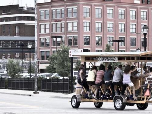 Pedal-Pub Cruise