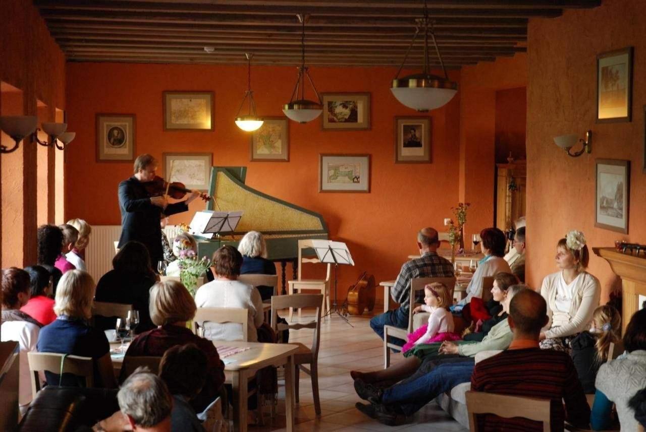 concert de clavecin à l'hôtel Karlamuiza