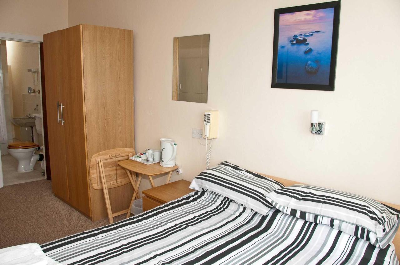 triple-room1.jpg
