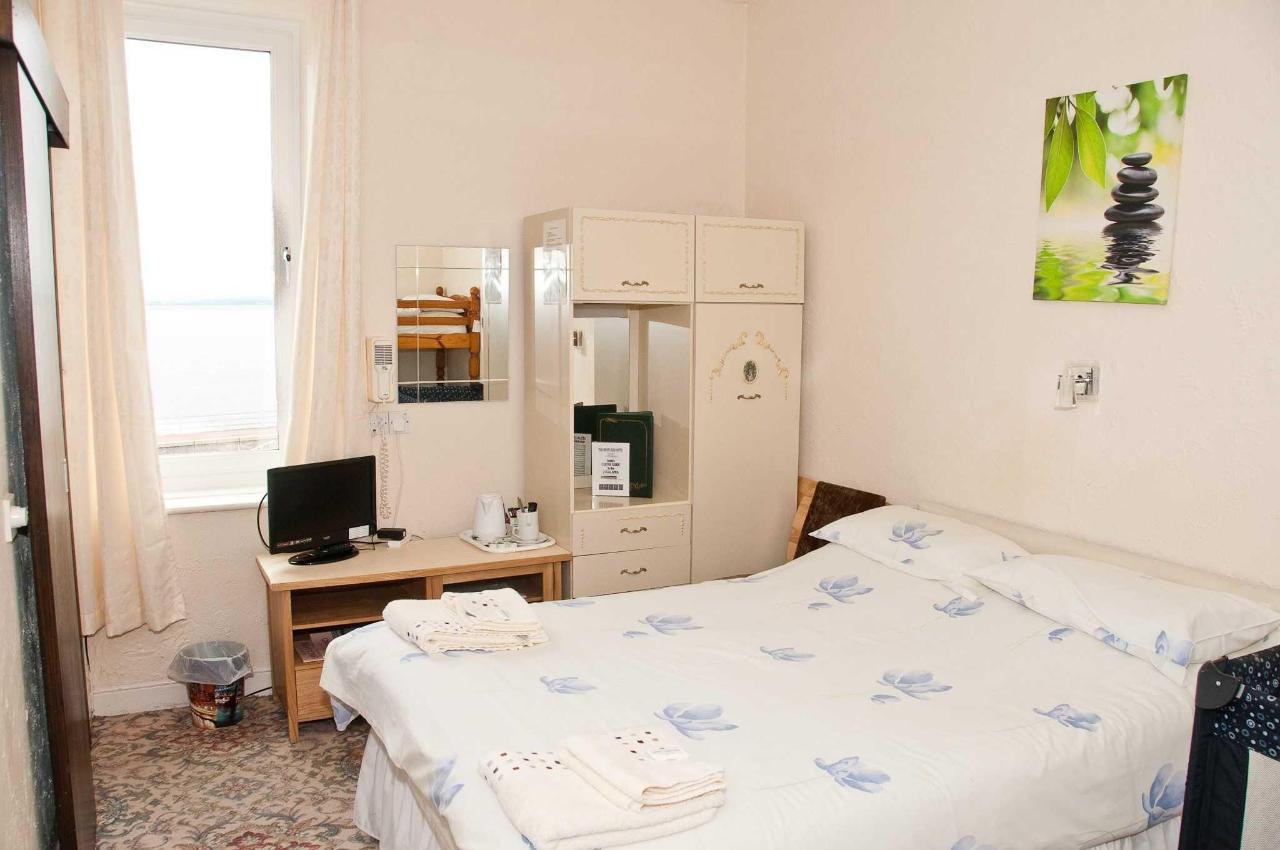 family-room2.jpg