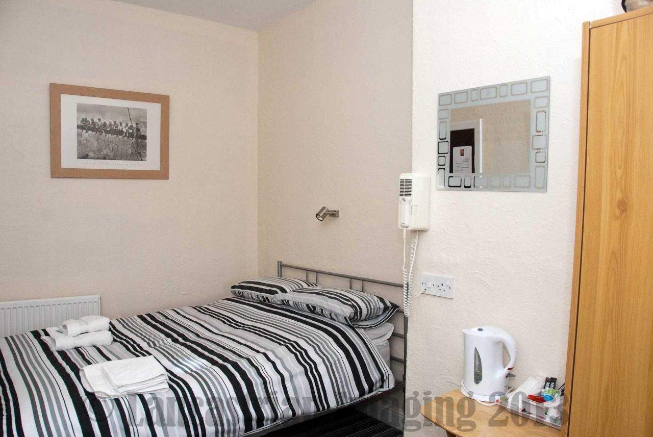 triple-room3-1.jpg