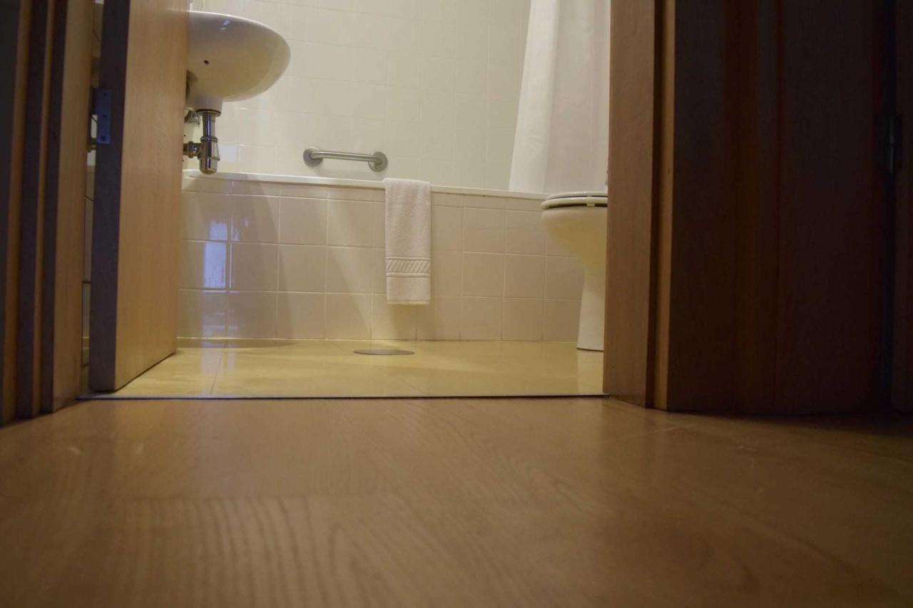Frei Pedro (Banho /Bathroom)