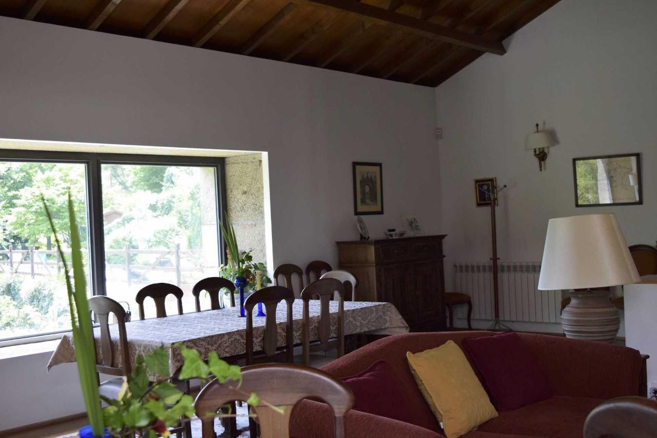 Sala (Estar e Pequeno Almoço) / Living &Breakfast Room