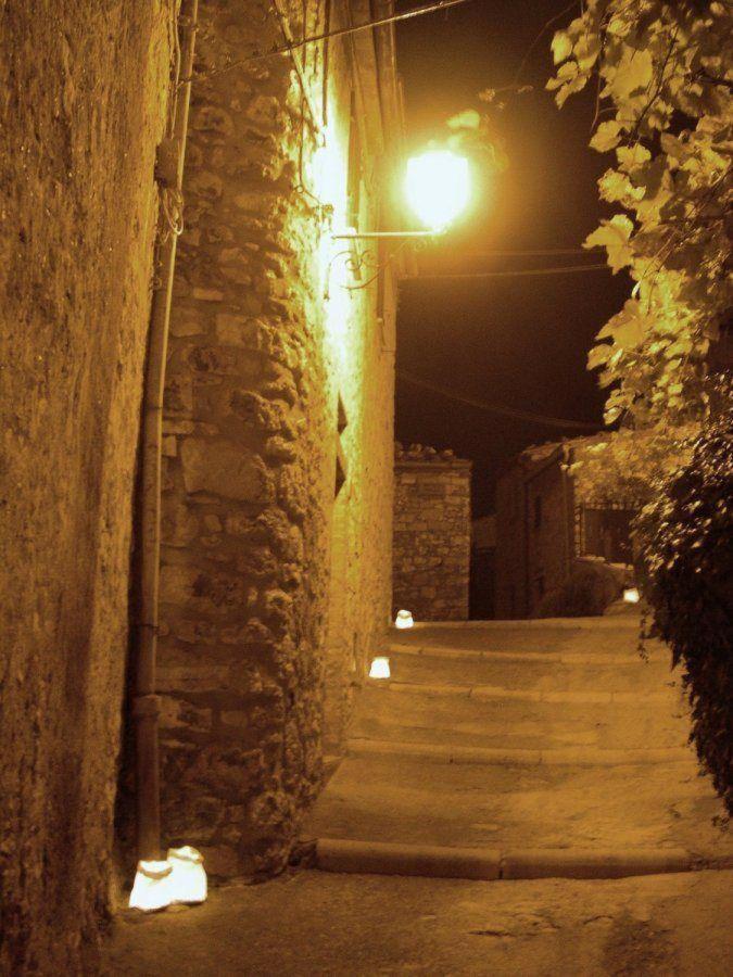 historischen Zentrum von Semproniano Nacht