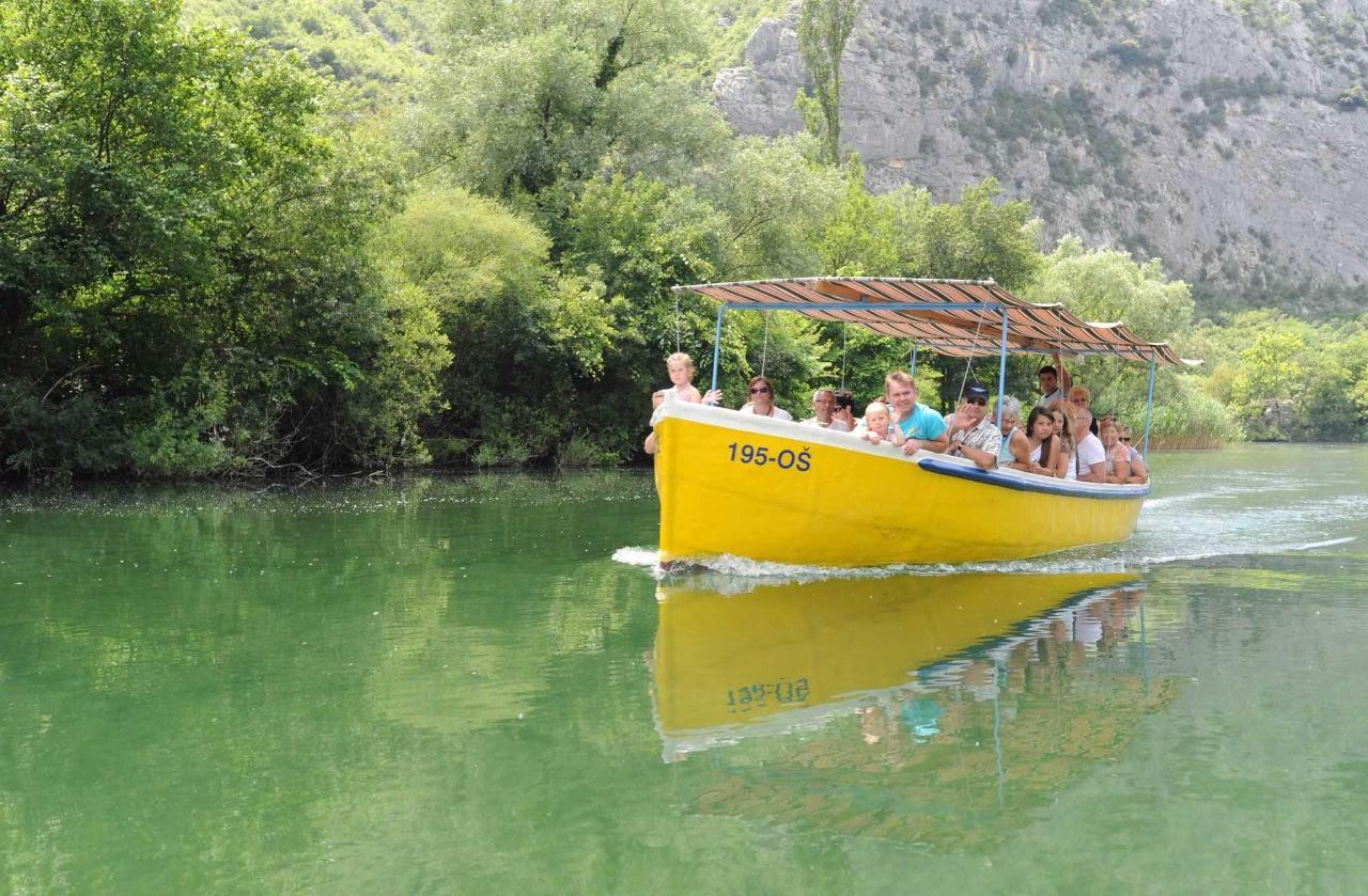 Cetina Taxi Boat