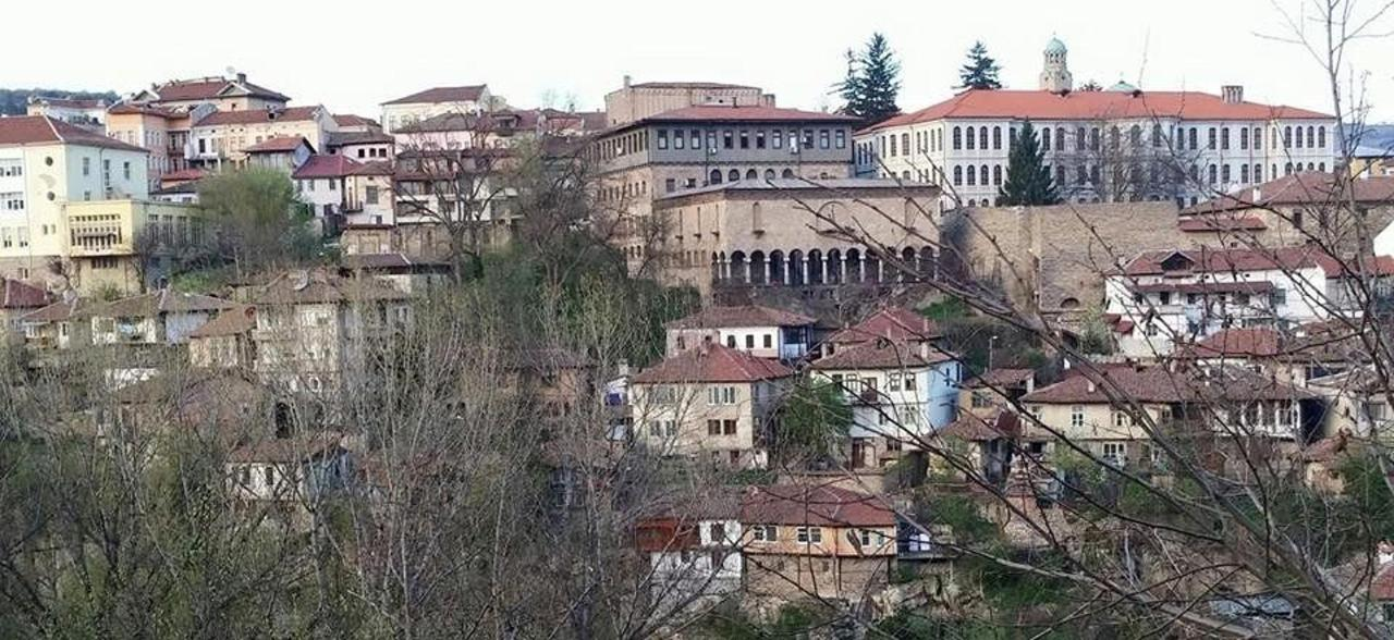 panoramic view of the hood