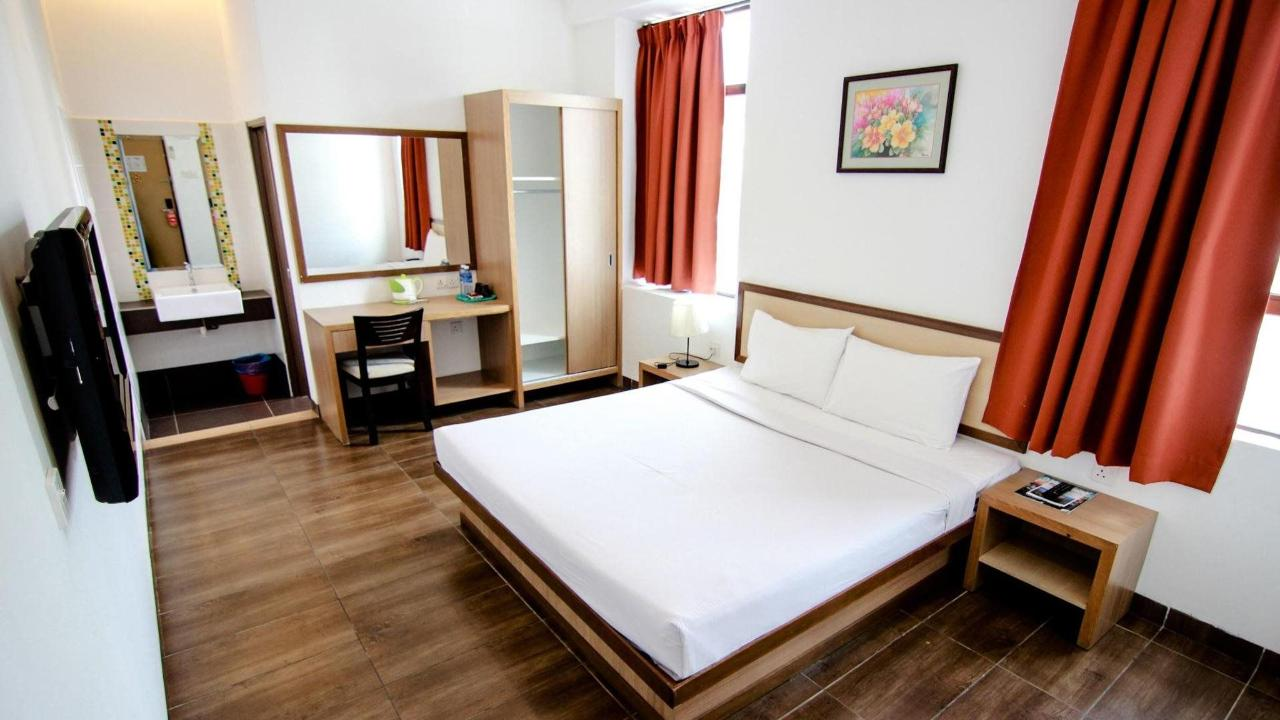 deluxe room - sunflower hotel.jpg