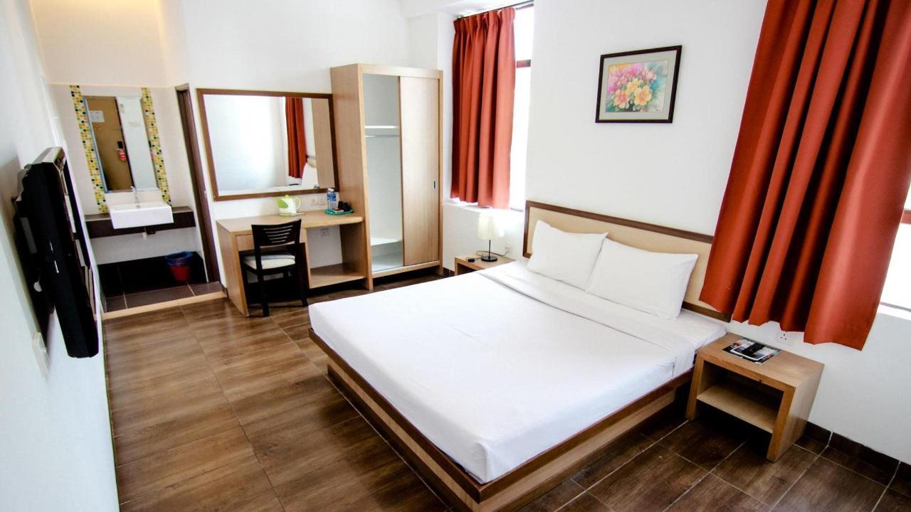 deluxe room - sunflower hotel.jpg