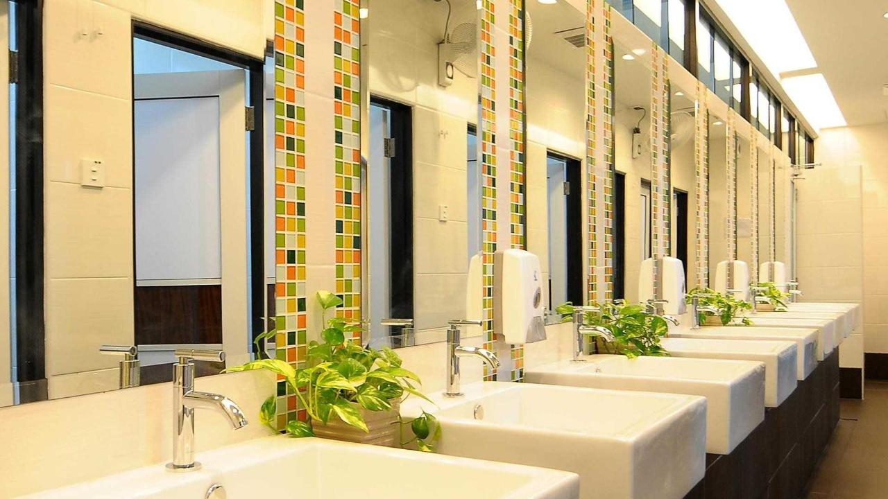shared bathroom - sunflower hotel.jpg
