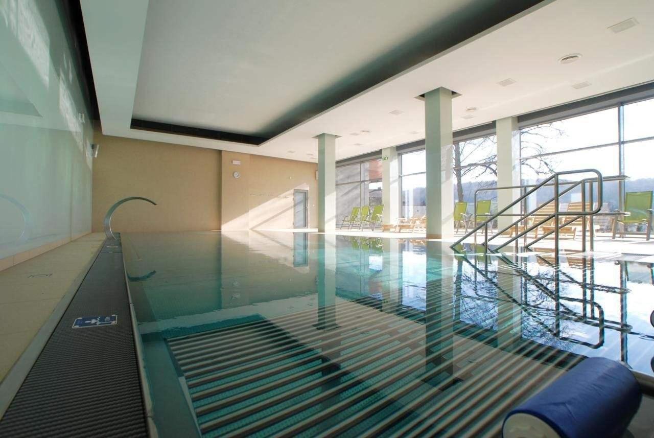 bazén (teplota vody 30°C)